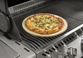 PRO Pizzastein mit Spiesse und Untersetzer